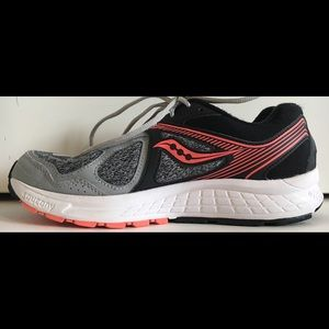 Saucony Cohesion 10 Sz 9 Gray/Pink Running Shoes